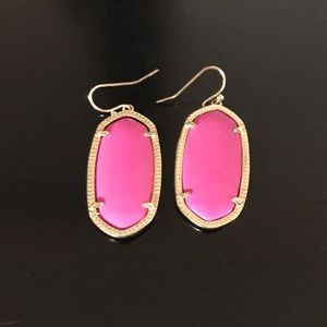 Kendra Scott classic hot pink earring